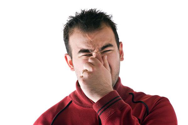 eliminar malos olores en las tuberías